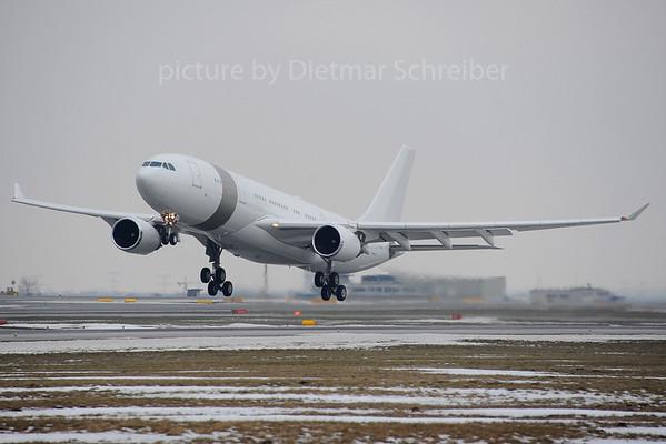 2013-02-27 A/-HHM Airbus A330-200 Qatar