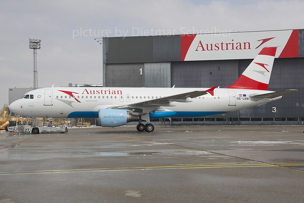2013-03-27 OE-LBM Airbus A320 Austrian Airlines