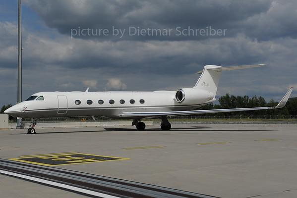 2013-06-27 M-ALAY Gulfstream 5