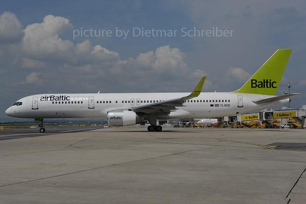 2013-06-28 YL-BDB Boeing 757-200 Air Baltic