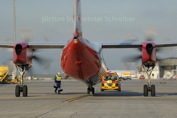 2013-10-31 D-ABQB Dash 8-400 Air Berlin