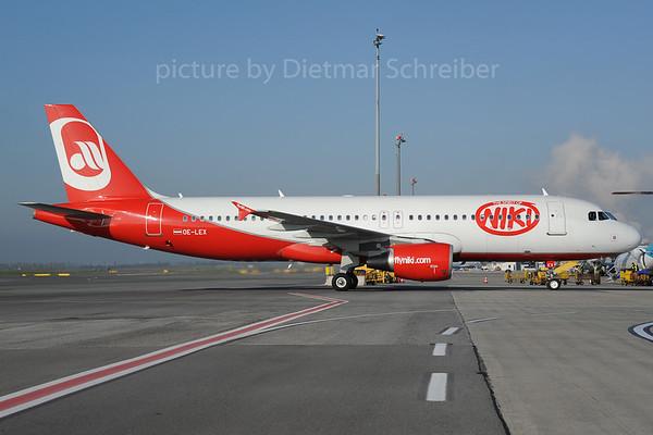 2013-10-31 OE-LEX Airbus A320 Flyniki