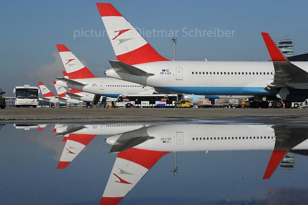 2013-10-31 OE-LAZ Boeing 767-300 Austrian Airlines