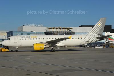 2013-10-28 EC-IZD Airbus A320 Vueling
