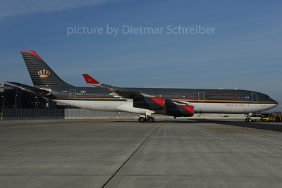 2013-12-03 JY-AIC Airbus A340-200 Royal Jordanian