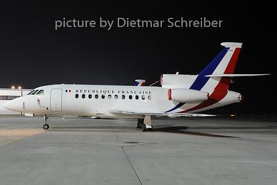 2014-01-16 F-RAFQ Falcon 900 French Air Force