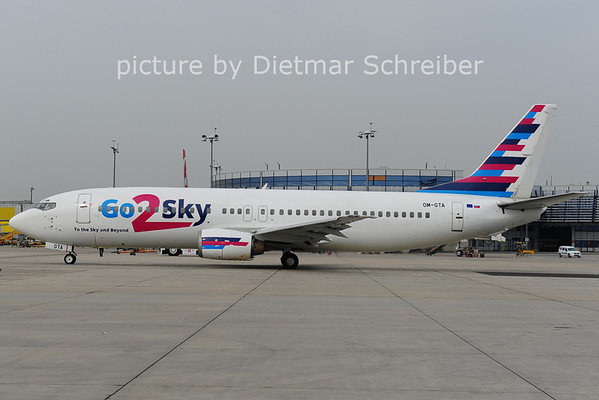 2014-03-31 OM-GTA Boeing 737-400 Go2sky