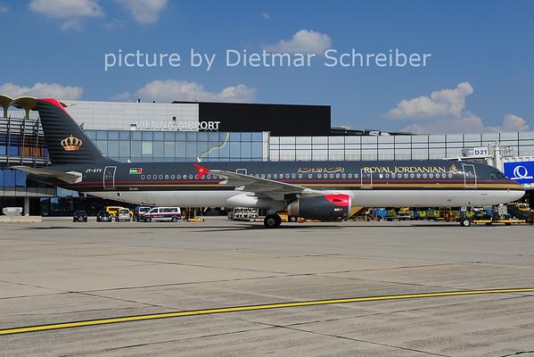 2014-04-30 JY-AYV Airbus A321 Royal Jordanian