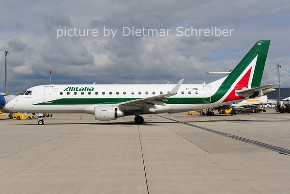 2014-05-30 EI-RDK Embraer 175 Alitalia
