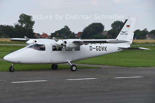 2014-07-28 D-GDVK P68 Sylt Air