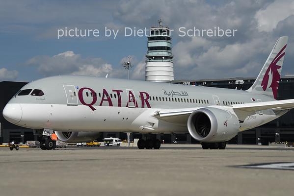 2014-09-21 A7-BCH Boeing 787-8 Qatar Airways