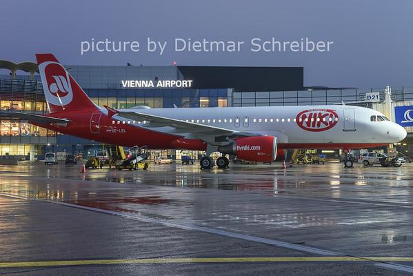 2014-11-28 OE-LEL Airbus A320 Flyniki