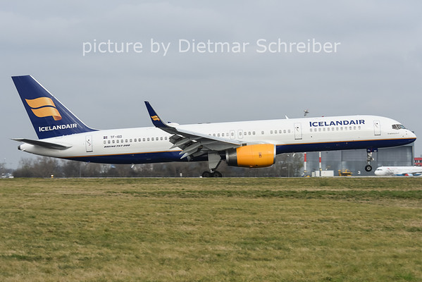 2014-11-27 TF-ISD Boeing 757-200 Icelandair