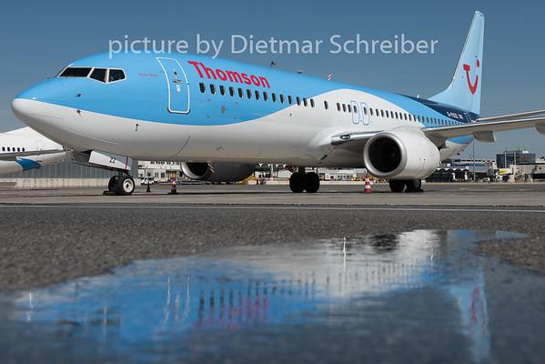 2015-04-29 G-FDZZ Boeing 737-800 Thomson