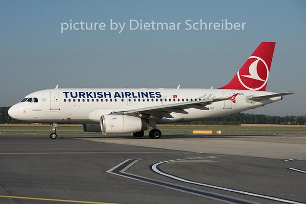 2015-07-01 TC-JLN Airbus A319 THY