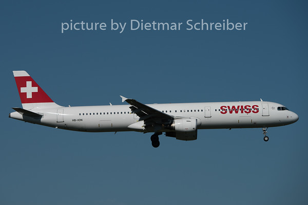 2015-08-29 HB-ION Airbus A321 Swiss