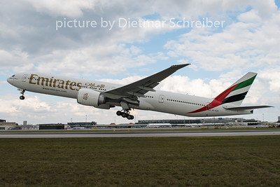 2015-09-29 A6-ENT Boeing 777-300 Emirates