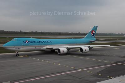 2015-10-30 HL7610 Boeing 747-8 Korean Air