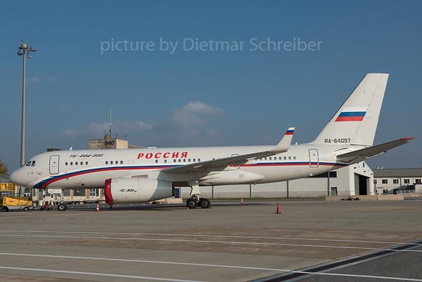 2015-10-30 RA-64057 Tupolev 204 Rossija