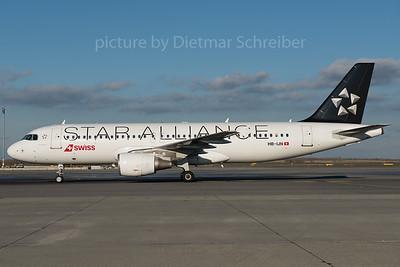 2015-11-24 HB-IJN Airbus A320 Swiss