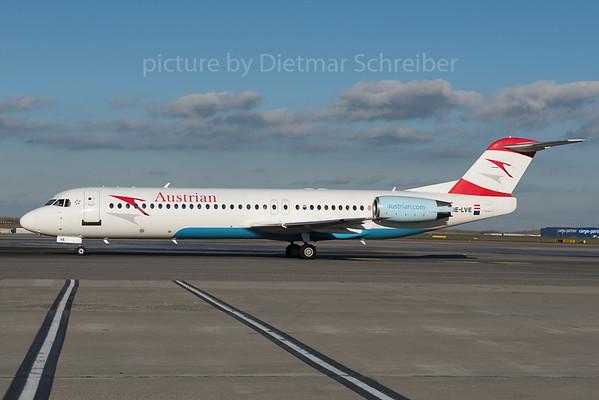 2015-11-24 OE-LVE Fokker 100 Austrian Airlines