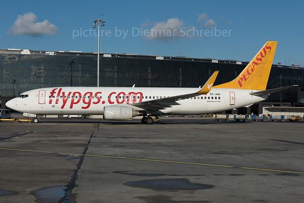 2016-01-29 TC-AAI Boeing 737-800 Pegasus