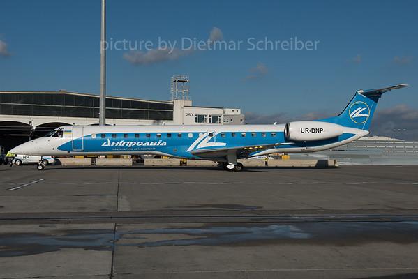 2016-01-29  UR-DNP Embraer 145 Dniproavia
