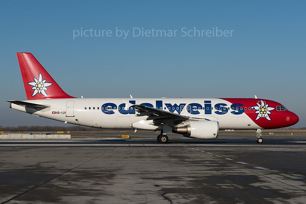 2016-01-22 HB-IJV Airbus A320 Edelweiss