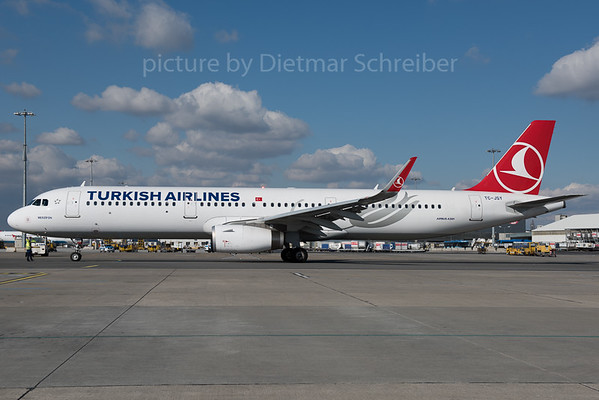 2016-02-26 TC-JRY Airbus A321 Turkish Airlines