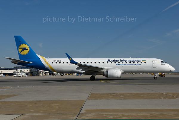2016-09-30 UR-EMB Embraer 190 Ukraine International