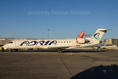 2016-11-28 S5-AAW Regionaljet 700 Adria Airways
