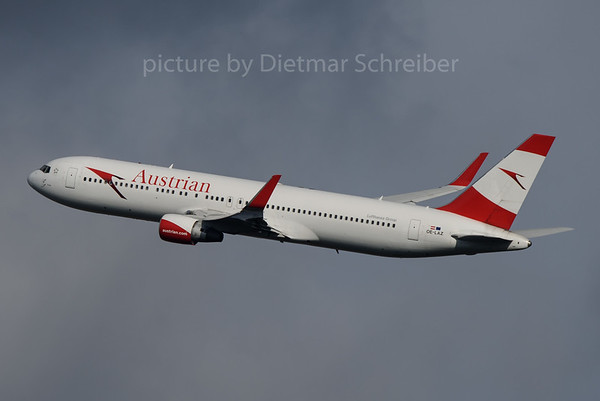 2016-11-27 OE-LAZ Boeing 767-300 Austrian Airlines