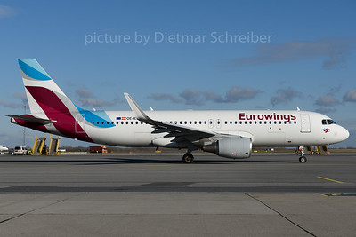 2016-11-28 OE-IEU AIrbus A320 Eurowings