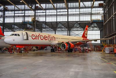 2017-02-17 OE-LCE Airbus A321 Fly Niki / AIr Berlin