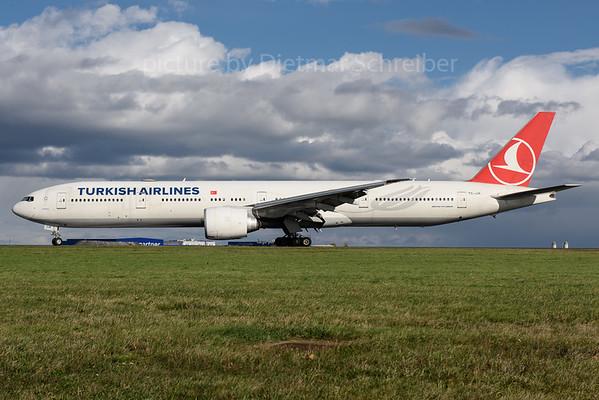 2017-10-30 TC-JJK Boeing 777-300 THY