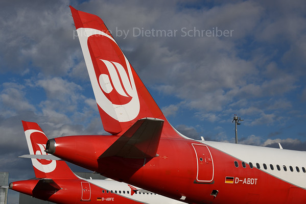 2017-10-30 D-ABDT Airbus A320 Air Berlin