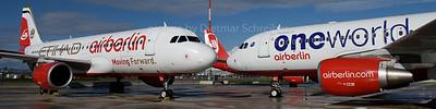 2017-10-30 D-ABHO / D-ABDU AIrbus A320 Air Berlin