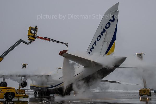 2017-11-30 UR-82009 Antonov 124 Antonov Airlines