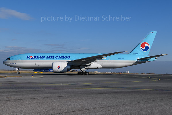 2018-01-31 HL8045 Boeing 777-200 Korean Air