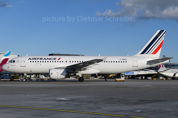 2018-01-30 F-HEPE Airbus A320 Air France