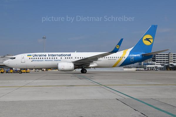 2018-03-28 UR-PSN Boeing 737-800 Ukraine International