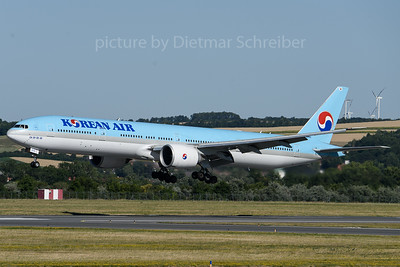 2018-06-30 HL8210 Boeing 777-300 Korean Air