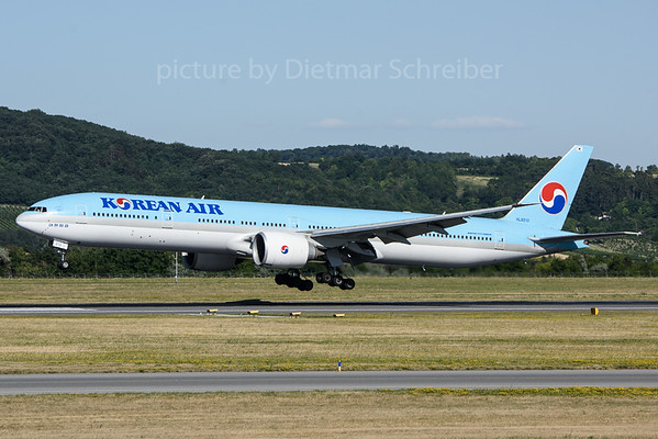 2018-06-30 HL8210 Boeing 777-300 Korean Air