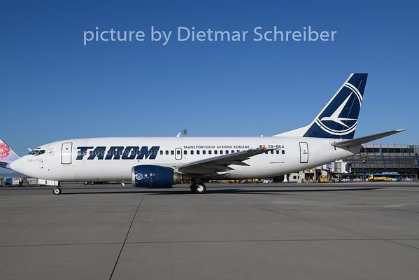2018-10-30 YR-BGA Boeing 737-300 Tarom