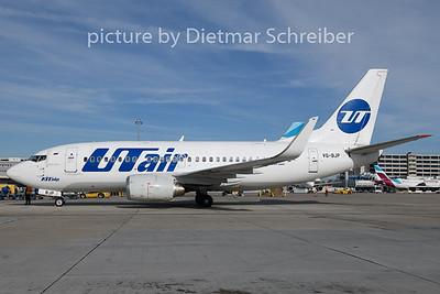 2018-10-31 VQ-BJP Boeing 737-500 UT Air