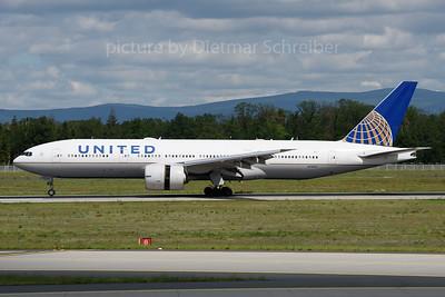 2019-05-31 N78013 Boeing 777-200 United Airlines