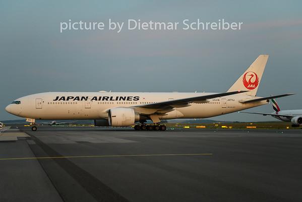 2019-08-31 JA711J Boeing 777-200 Japan Airlines