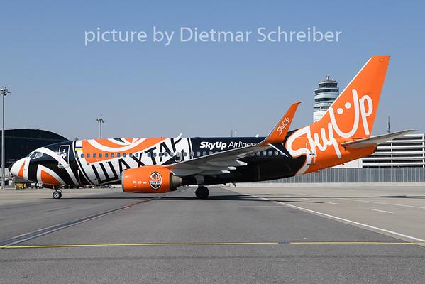 2020-03-24 UR-SQE Boeing 737-700 Sky Up