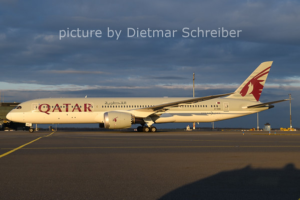 2020-11-29 A7-BHB Boeing 787-9 Qatar Airways