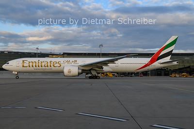 2020-11-29 A6-EQJ Boeing 777-300 Emirates